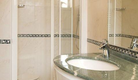 Vasca Da Bagno Glass Astor : Astor bologna: tariffa migliore risparmia sul tuo soggiorno